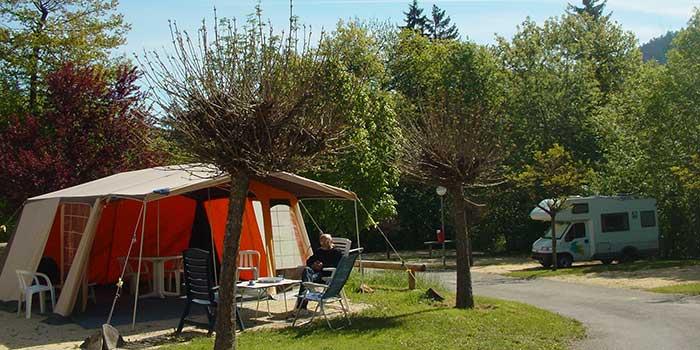 Emplacement tente au soleil  du Camping les Portes de Trièves